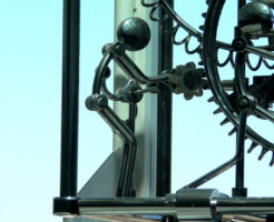 mechanical-clock-1234989-640x480